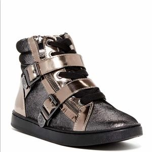 Vince Camuto Umily Sneakers in Pewter/Steel 7.5